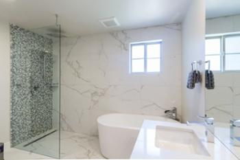 AMAZING, SPACIOUS Master Bathroom with HUGE Soaker Tub