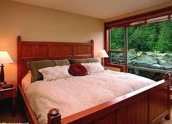 Master bed room- king size luxury, with an ensuite bath- enjoy!