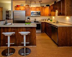 Kitchen with ample room and well equipped