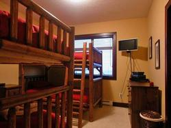 Kids Suite! - Perfect for 4 children or singles. 2 single bunk beds/Flatscreen TV/Playstation 2/ DVD/VCR/CD/GAMES