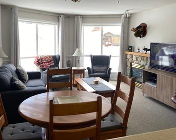 The apartment is light-filled, open plan and perfect for entertaining and relaxing. Being on the 3rd level, you get a great view across the Monashees out the large windows.