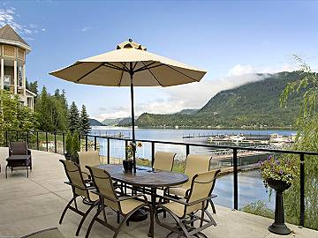 Find a relaxing Shuswap vacation rental to stay in